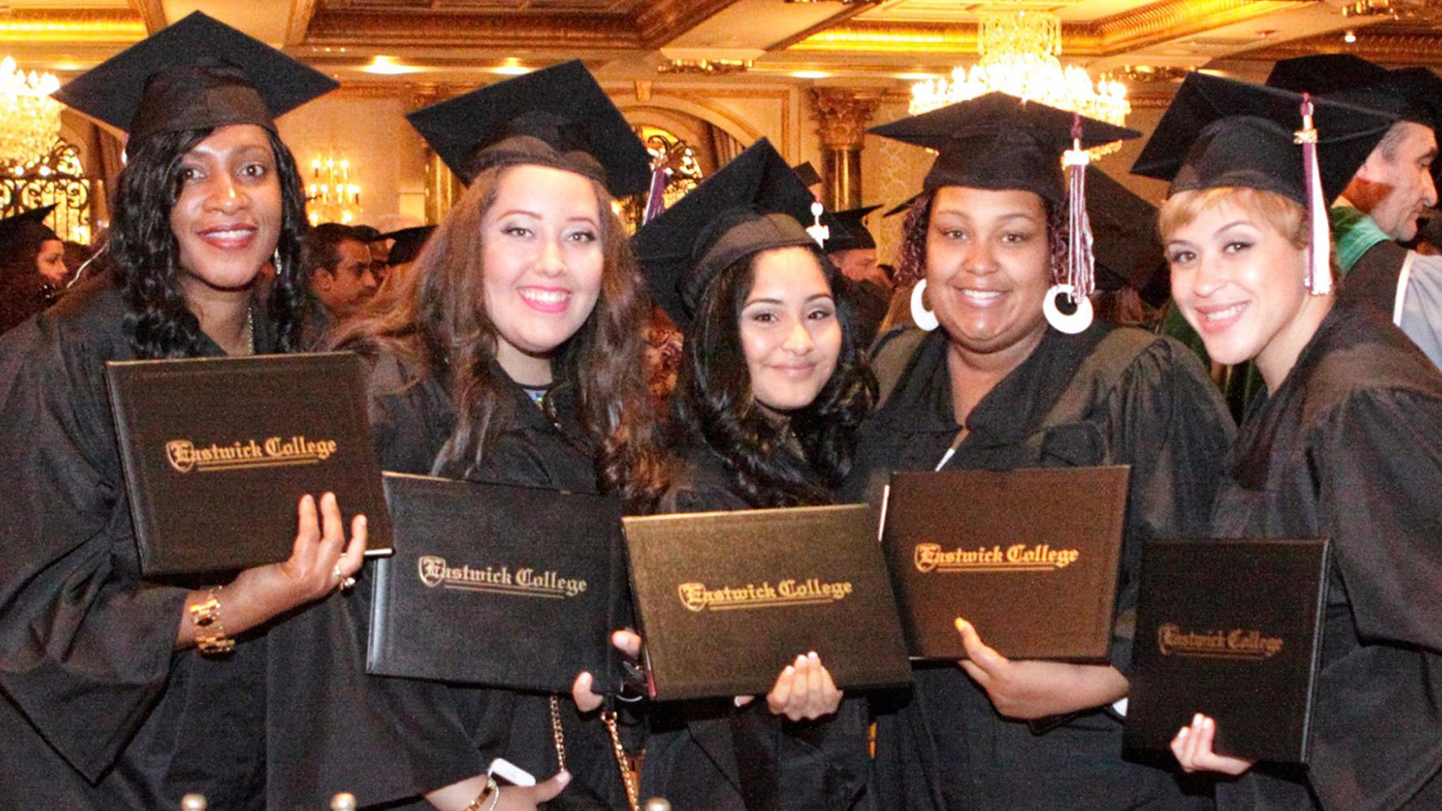 photo_slideshow_graduates-1